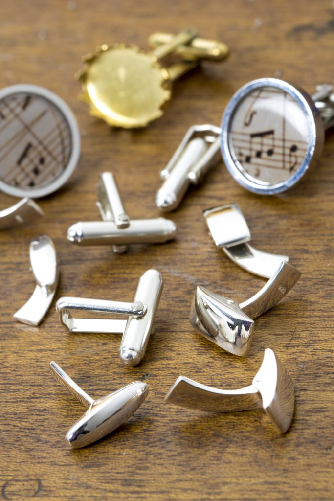 cufflink-backs-and-findings