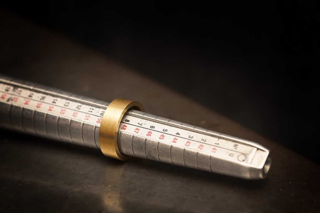 measuring a ring using a triblet