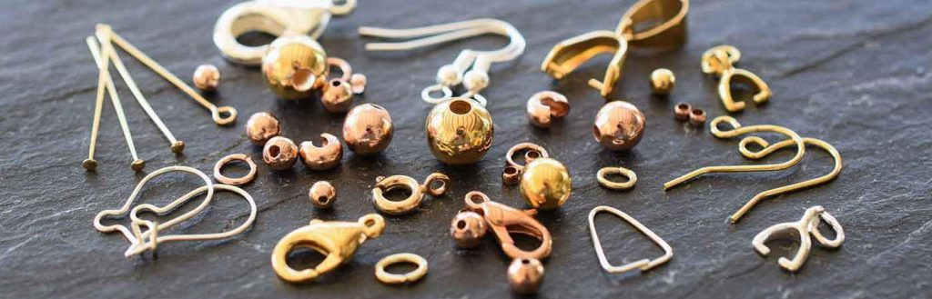 Different jewellery clasps