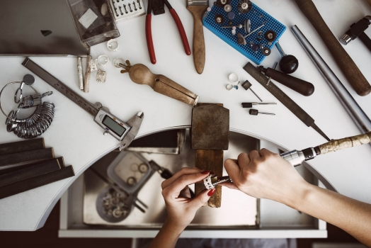 Essential Tools to Start Polishing your Jewellery
