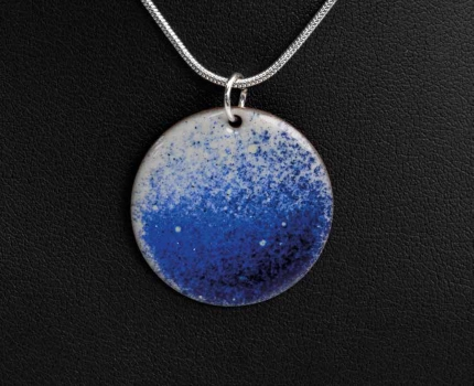 How to: Create this necklace pendant