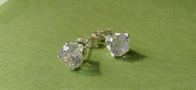 5 Minute Makes: Snap-in Stud Earrings