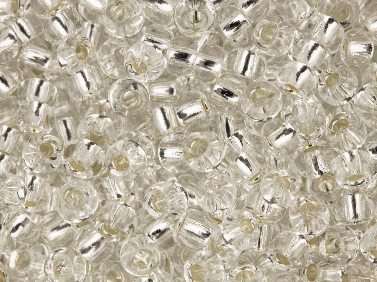 Czech 8/0 Seed Beads, Silver Lined Colourless, 20g Pack