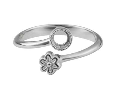 Sterling Silver Adjustable Ring    With Flower And 4mm Cup