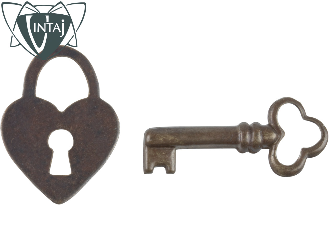 Vintaj Brass Heart  Keys Pack Of 4